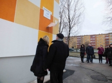 ARIEE: commemorative plaque opened for the renovated kindergarten Kalevipoeg in Jõhvi