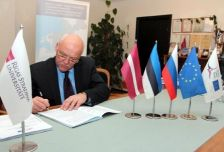 Another Grant contract for 267 458,00 euro of the Programme co-financing countersigned by the JMA of the Programme and the Riga Stradins University (Latvia)
